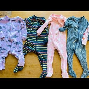 Lot of 5 Old Navy footed PJs size 12-18 months